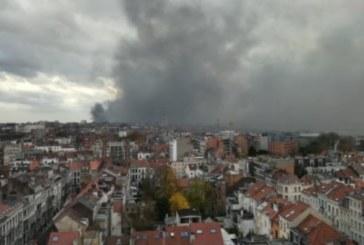 Токсични вещества във въздуха след пожар в Брюксел