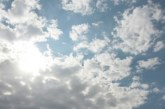 Времето ни забаламосва! Облаци, слънце и вятър се редуват днес