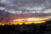 Уникален залез над Благоевград! Навръх Деня на християнското семейство небето стана огнено, вещае благополучие