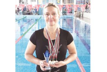 """Плувци на """"GD Sport"""" с паралелни успехи в Скопие и Бургас"""