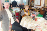 """Празненство с домашни баници и пити си спретнаха пенсионерите  от клуб """"Божур"""" в Кюстендил и поискаха  достойни старини"""