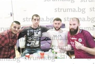 """Бившият футболист на """"Септември"""" /Симитли/ Ивайло Лазаров посрещна рожден ден в Лондон"""