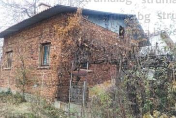 Д-р З. Тодорова: Шахтата с водомера в  къщата ми се пълни с вода, от ВиК – Дупница  казаха, че ще оправят проблема чак  през март 2018 г.