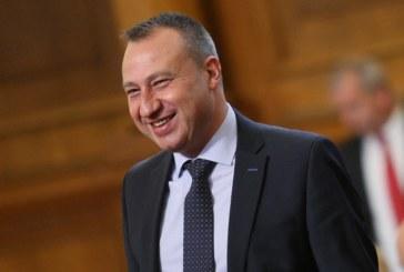 Приближеният на Ив. Константинов Йордан Йорданов: Преди 3 дни на банкет не спомена, че напуска парламента