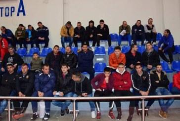 Футболно дерби между роми стресира домакините на коледен турнир в Петрич