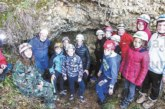 Ученици от Бачево станаха спелеолози, влязоха в пещера край Разлог, учиха се да опазват прилепите
