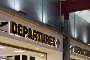 ЗАРАДИ ОБИЛЕН СНЕГОВАЛЕЖ! ЗАТВОРИХА три летища във Великобритания