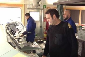 Как посрещат Коледа моряците на един български кораб