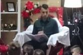 """Капитанът на """"Лудогорец"""" Светослав Дяков чете приказка на децата в Благоевград"""