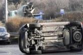 КАСКАДА! Автомобил се преобърна на столичен булевард