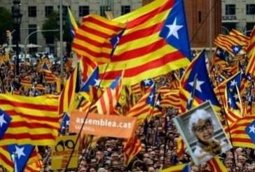 Каталунци скандират: Събуди се, Европа!