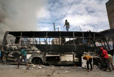 АДСКА КАТАСТРОФА! Сблъсък между автобус и камион, 30 загинаха