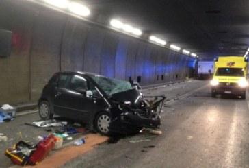 Катастрофа в третия най-дълъг тунел в света взе две жертви