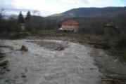 Пратиха тежка техника да обезопаси моста край  Гърляно, през който минава трафикът за Македония, остава в сила частичното бедствено положение
