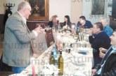 Парата от предколедната пита на селските кметове в Благоевград се падна на падешкия управник Г. Бежански, колегата му от Дъбрава Р. Георгиев гръмна шампанско за рожден ден
