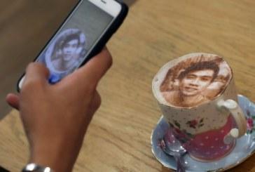 """В Лондон откриха първото кафене, сервиращо """"селфичино"""""""
