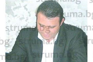 Мощният строителен предприемач и ексобщински съветник Б. Узунов става млекар