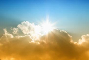 Облаци, слънце и вятър се редуват днес, температурите падат