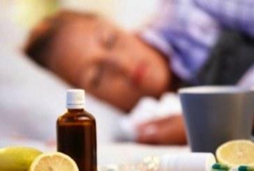 Експерт съветва: Греяна ракийка, чесън и малко сол борят грипа