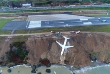 ШОК! Самолет поднесе при кацане, излезе от пистата