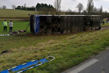 Ад на пътя! Автобусна катастрофа, 27 ранени