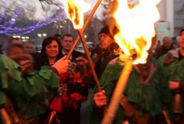 Забъркаха Корнелия Нинова в грозен скандал в Перник