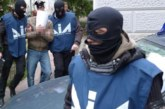 УДАР! Разбиха водеща мафиотска организация, държавни служители заподозрени в корупция