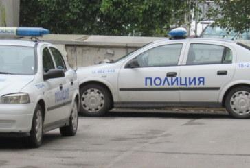 КАРЪК! Пиян шофьор помете полицай и избяга
