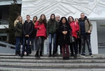 Ученици от Кочериново проучиха на място в ЮЗУ предлаганите специалисти за студенти