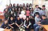 Деветокласници в Разлог изненадаха  класната си за ЧРД с торта и бижута