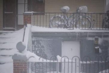 Буря и сняг обхванаха Гърция
