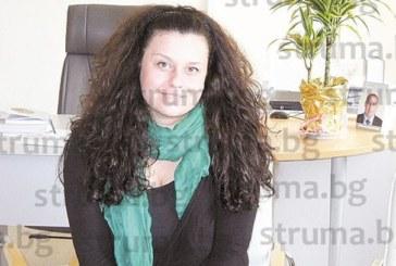 """КАДРОВА РОКАДА! Общинският експерт Т. Камбурова напуска отдел """"Култура"""" поради свръхзаетост, работи на още три места"""
