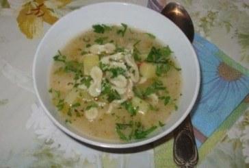 Пилешка супа с картофи и фарфалини