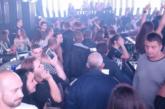 СПЕЦАКЦИЯ! Полицаи щурмуват заведения, претърсват за бегълци от закона