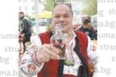"""Виното на баш майстора на благоевградския кв.""""Грамада"""" Антон Ваклински никога не свършва"""