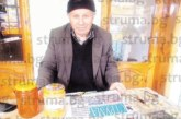 83-годишният Страхил Гошев след 28 г. в мината се грижи за 60 пчелни кошера в Кресна, признава: Пенсията ми е добра, но работата крепи човека