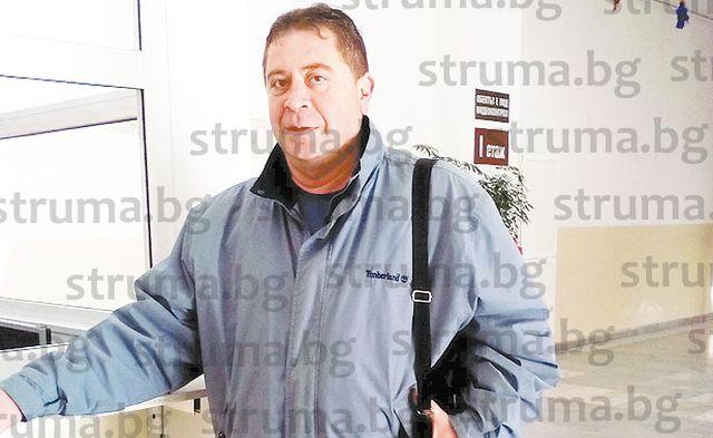Треньорът на малките орлета В. Товиров първокурсник в ЮЗУ, вече е в сесия и е взел няколко изпита