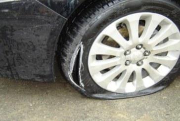 Страшно отмъщение! Помляха автомобил на благоевградчанин, рязаха гуми, чупиха стъкла…