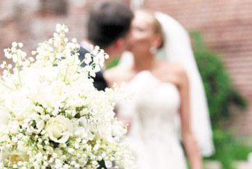 Младежите луднаха по датата на трите осмици, 8 двойки в Кюстендил вече избраха 18.08.2018 г., за да сключат граждански брак, в Дупница – 3