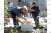 Екскметът ветеринар д-р П. Дангов започна подготовка на 15-те кошера, оплака се: Миналата година изкарах едва 80 кг мед