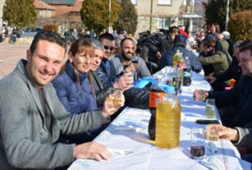 С литри вино и мезета отбелязаха Трифон Зарезан в Черниче