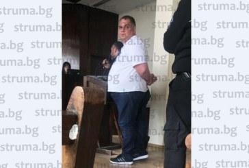 Сутеньорът Марто Дебелия залегна над учебниците в затвора, чака го контролно