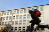 ЛЮБОПИТНА СТАТИСТИКА! 63 деца са напуснали училище в Кюстендилско, едно заради ранен брак, 41 са заминалите за чужбина, на 21 не им се учи