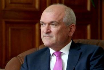 Бившият шеф на парламента Димитър Главчев на почивка в Банско