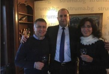 3 вида хляб, омесен от неврокопчанка, опита президентът Р. Радев в посолството ни в Брюксел