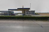 Маскирани нахлуха в бензиностанция, опряха пистолет в главата на продавача