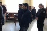 Само един от задържаните за побоя над полицаи остава в ареста