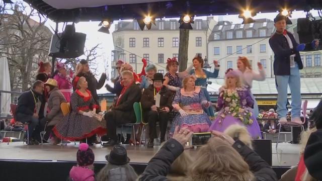 Търговци показаха танцувални умения на карнавала в Мюнхен