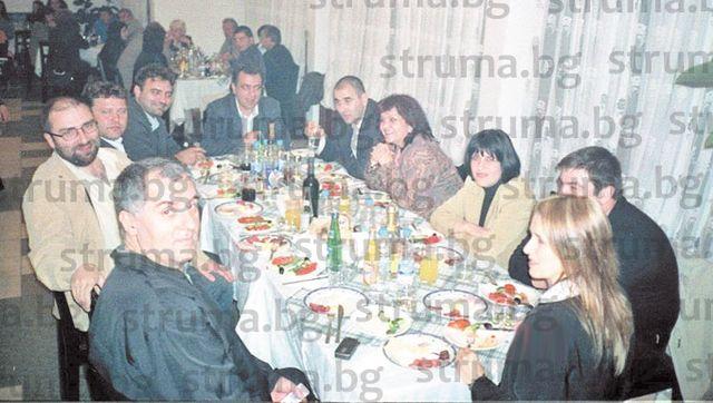Случайна снимка свидетелства: Цв. Цветанов стартира в Добринище политическата си кариера с предизборна среща на НДСВ