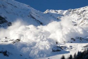 Опасността от лавини в планините остава